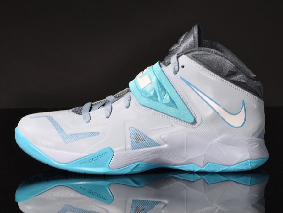 048c719a17a Nike Zoom Soldier VII - Light Armory Blue - White - Gamma Blue ...