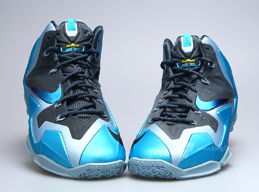the latest 17621 60875 Nike LeBron XI