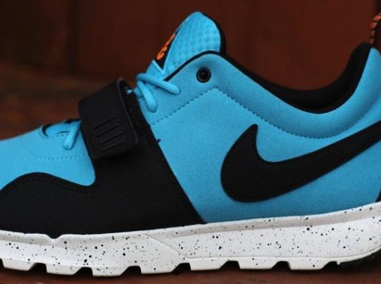 Nike Trainerendor – Gamma Blue – Black – Atomic Pink