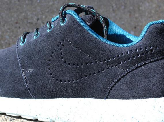Nike Roshe Run Nero Suede   The Centre Centre Centre for Contemporary History c8a479