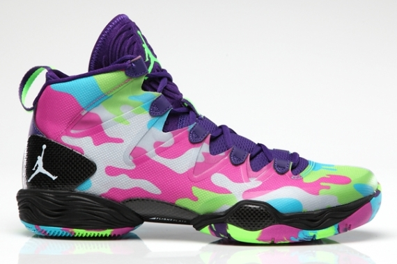 Air Jordan XX8 SE Color: Court Purple/White-Flash Lime-Gamma Blue Style  Code: 616345-580. Release Date: 10/05/13. Price: $140