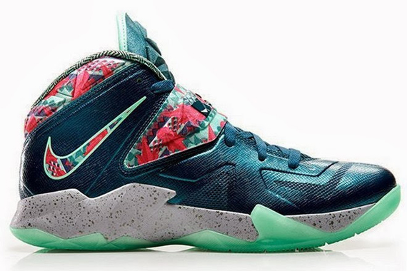"Nike LeBron Soldier 7 ""The Power Couple"" - SneakerNews.com