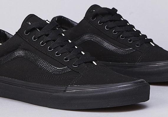 Vans Old Skool All Black On Feet