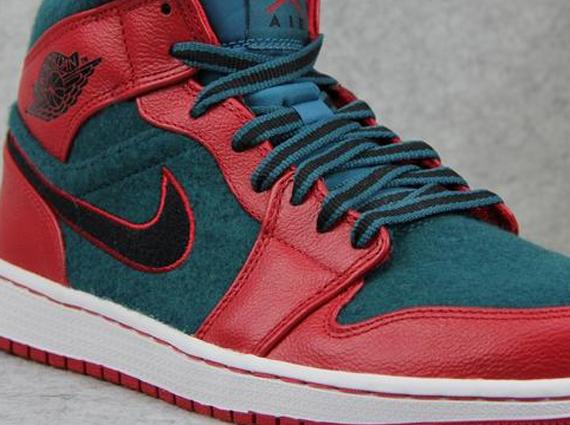 separation shoes 76d96 16b3d Air Jordan 1 Mid - Gym Red - Dark Sea - SneakerNews.com