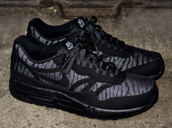 "huge selection of 3dab2 56c5e Nike Air Max 1 PRM Tape ""Reflect"" – Black – Silver – Anthracite"