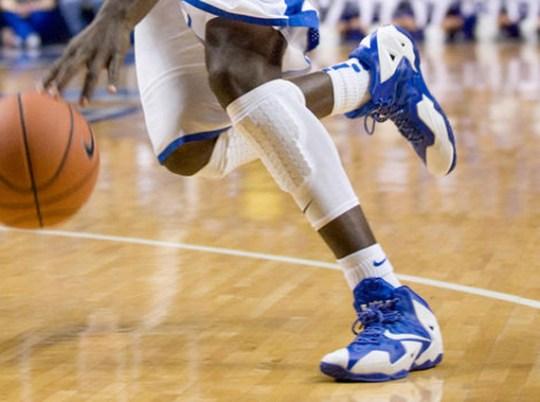 "Nike LeBron 11 ""Kentucky"" PEs"