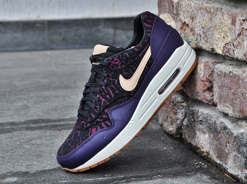 Women's Nike Wmns Air Max 1 PRM Curtains Pack Purple Dynasty Raspberry Red Sneakers : C42y5041