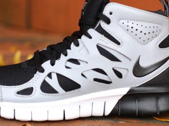 Nike WMNS Free Run 2 Sneakerboot – Black – Metallic Silver – White