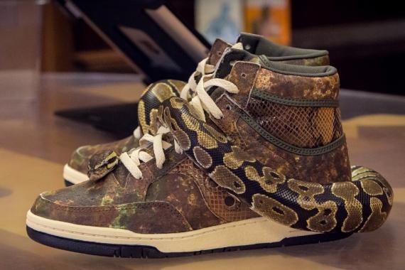 Packer Shoes x Saucony Hangimte
