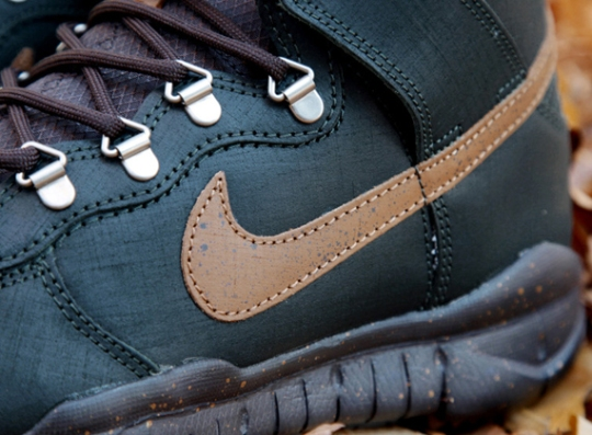 Poler x Nike Dunk High OMS – Black Spruce – Classic Brown