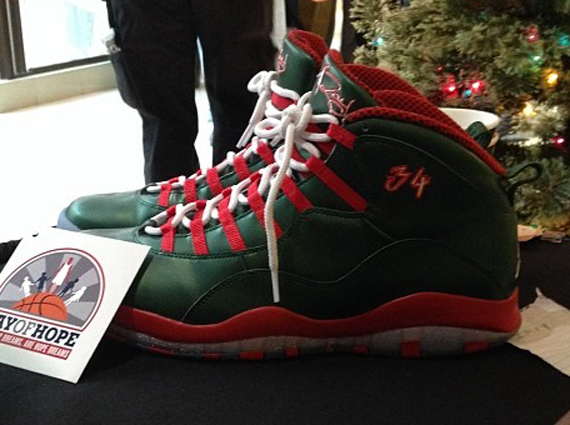 ... Ray Allen Christmas PE (1) The king of Air Jordan PEs strikes again as  we get a first look at the ... e5783c842