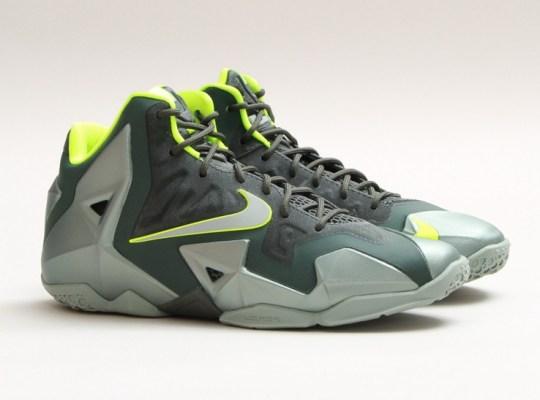 "Nike LeBron 11 GS ""Dunkman"" – Arriving at Retailers"