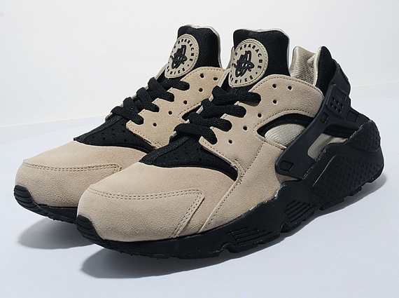 best service 2d6d8 90b5d A little over a month ago, Sneaker News showed you another European  exclusive Nike Air Huarache that has since arrived at retailers.