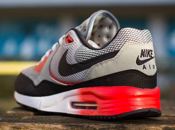 produit chaud hot-vente authentique magasiner pour les plus récents Nike Air Max Light Comfort 1.0 - SneakerNews.com