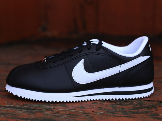 los angeles f3583 cf008 Nike Cortez - Black - White - SneakerNews.com