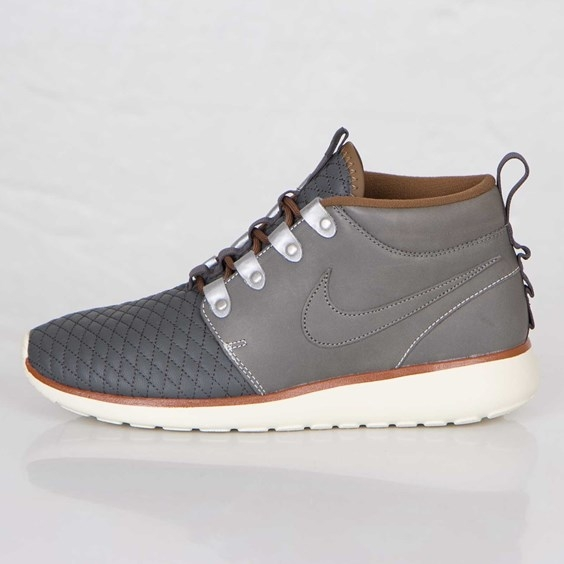 sports shoes 0fb69 0b4f3 Nike Roshe Run Sneakerboot QS
