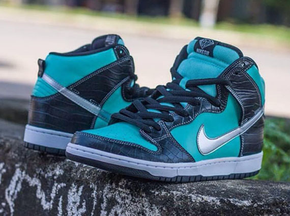 "new product 20bf3 65052 It looks like the Nike SB Dunk High ""Diamond"" just might be happening in  2014. Theres a lot of conjecture and rumor being thrown about regarding  the ..."