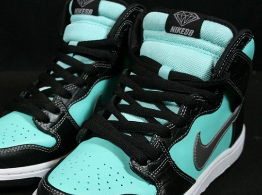 Diamond Supply Co. x Nike SB Dunk High – Available on eBay