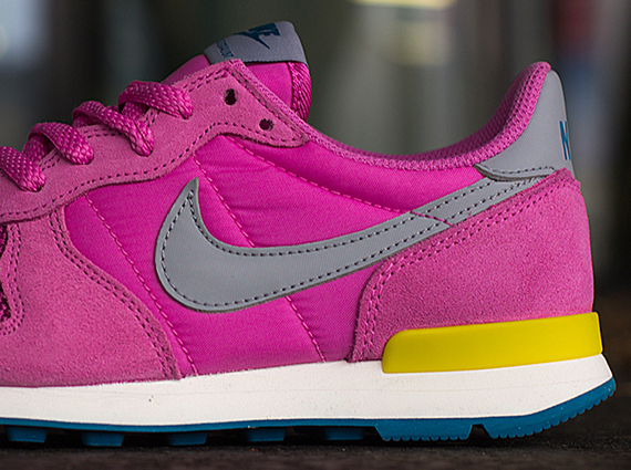 best sneakers cbc6b 2dfe9 Nike WMNS Internationalist – Red Violet – Wolf Grey – Bright Citron