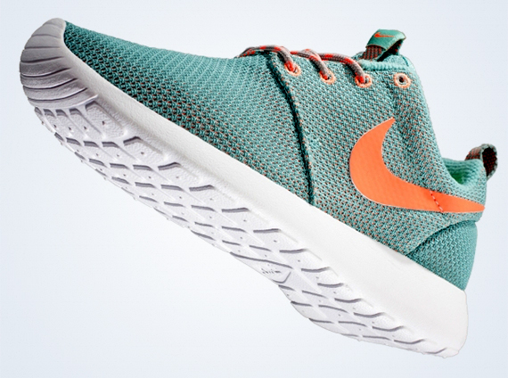 another chance a65ff db505 ... discount nike wmns roshe run diffused jade atomic orange sneakernews  6a840 9f4eb