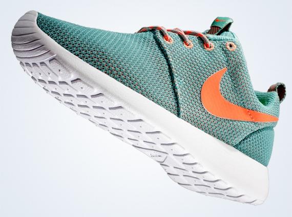 Details about Nike Roshe Run Running Training Shoe Black Gold Grey Women's US 10 511882 070