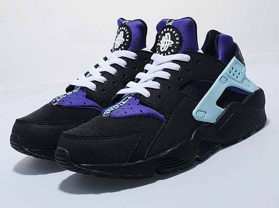 Not every Nike Huarache retro that the Size  team gets their hand on is of  the collab persuasion. Case in point is this new women s release c2c469380