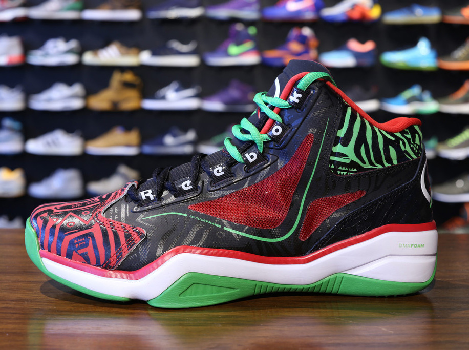 On December 24th you will have the opportunity to pick up a pair of this limited edition Pump Question at Jimmy Jazz, Shiekh Shoes, DTLR or Reebok.com for