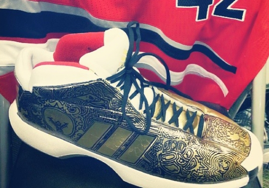 """adidas Crazy 1 """"Fists of Midas"""" Customs for Robin Lopez"""