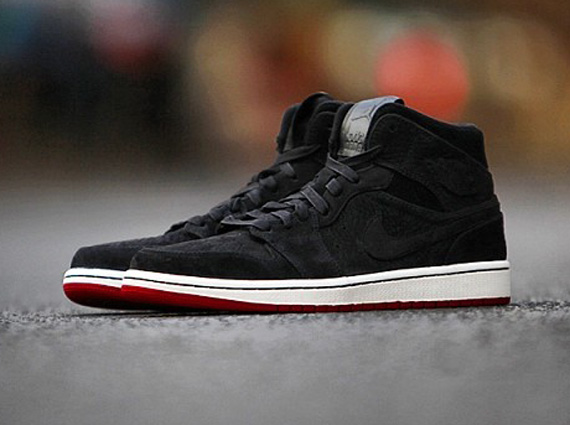 Air Jordan 1 Mid Black Suede Red Sneakernews Com