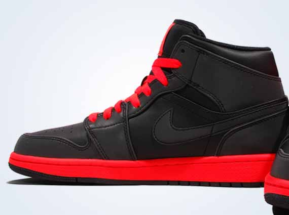 new styles 8fbcb cdb32 Air Jordan 1 Mid