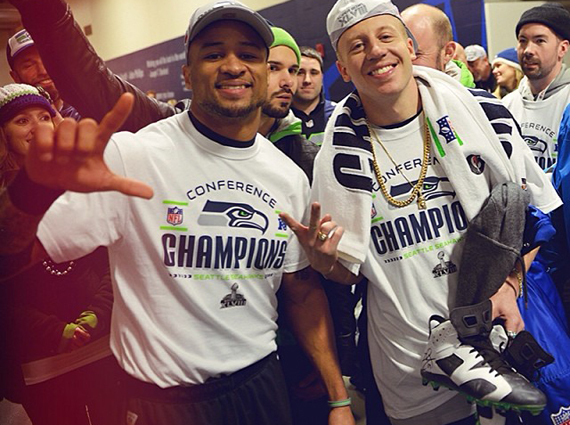 74208a2b6 Earl Thomas Gives Macklemore Air Jordan 6 PE Cleat After NFC Championship  Game