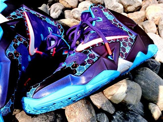 """Hornets"" Nike LeBron 11"