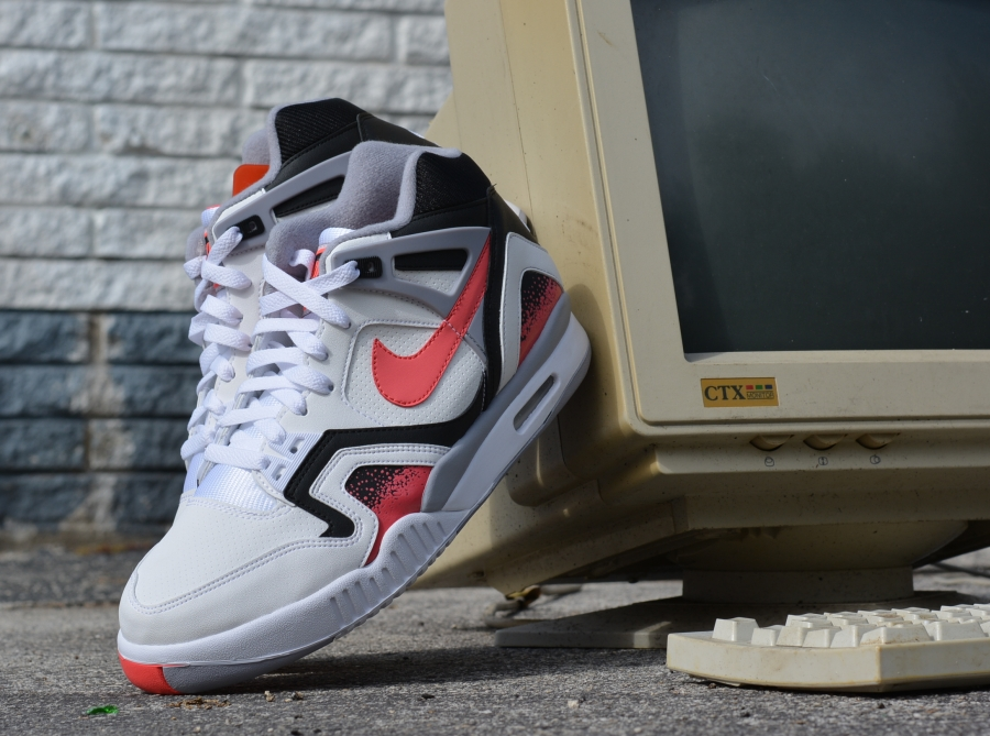 "Nike Air Tech Challenge II ""Lava"" - Arriving at Retailers ..."