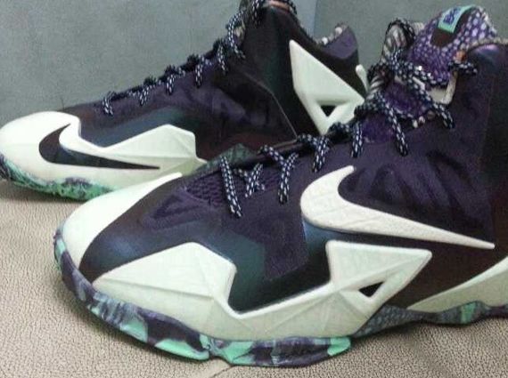 Nike LeBron 11 GS quot Glow in the Darkquot