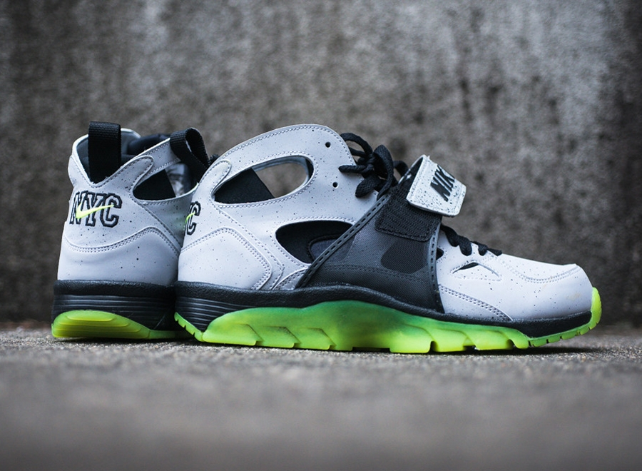 nike huarache sneaker releases