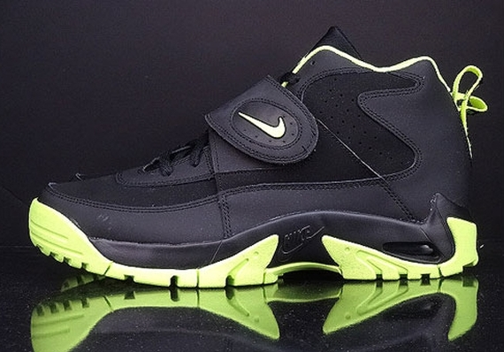 premium selection b5e51 edf5c Nike Air Mission Color  Black Volt Style Code  629467-001