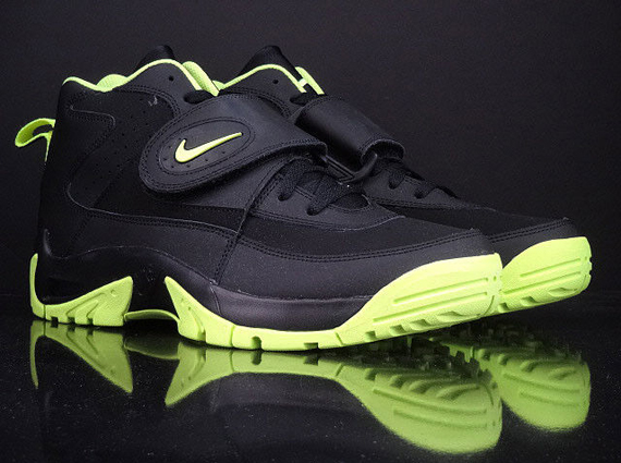 new concept 63bb1 87f49 Nike Air Mission – Black – Volt