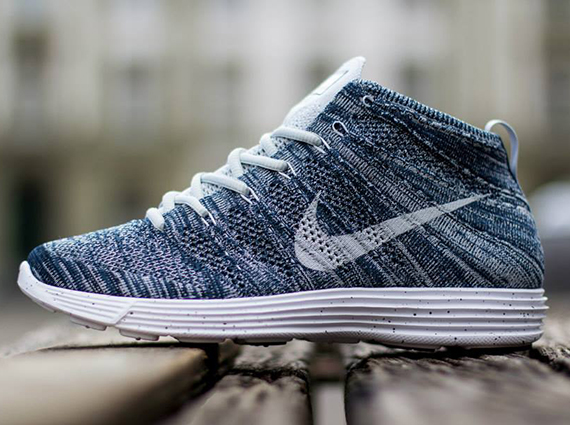 241385eeaf5f ... newest Nike Lunar Flyknit Chukka. This newest pair falls somewhere in  the middle of those two HTM colorways with a mix of Squadron Blue