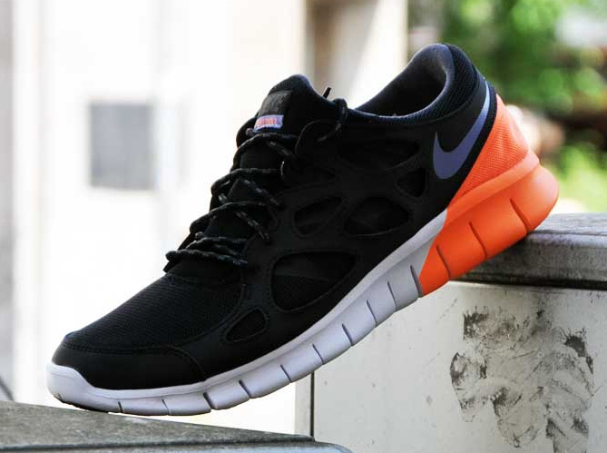 nike free run black and orange