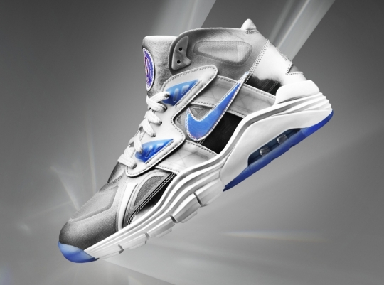 "Nike Lunar 180 Trainer SC ""Silver Speed"" for Super Bowl XLVIII"