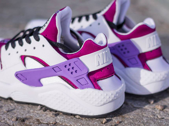 nike wmns air huarache white black bright magenta