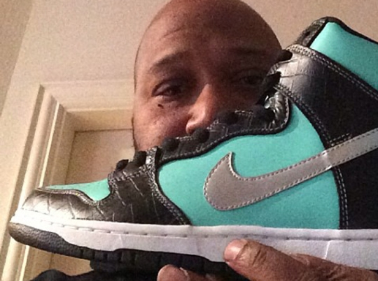 Bun B Shows Off Diamond Supply Co. x Nike SB Dunk High