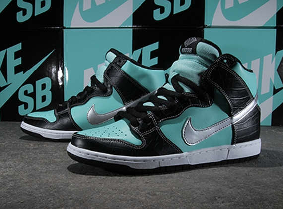 nike diamond tiffany dunks