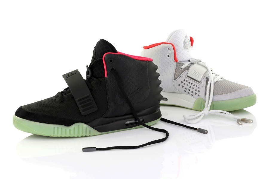 8c29229171ce6 A History of Kanye West s Sneaker Collabs - SneakerNews.com