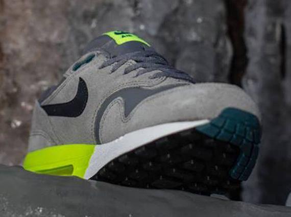 Nike Air Max 2014 Cool Grey Volt Black