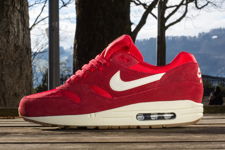 nike air max 1 essential gym red suede 5s