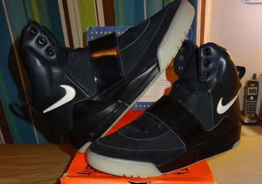 Nike Air Yeezy Sample – Black – White