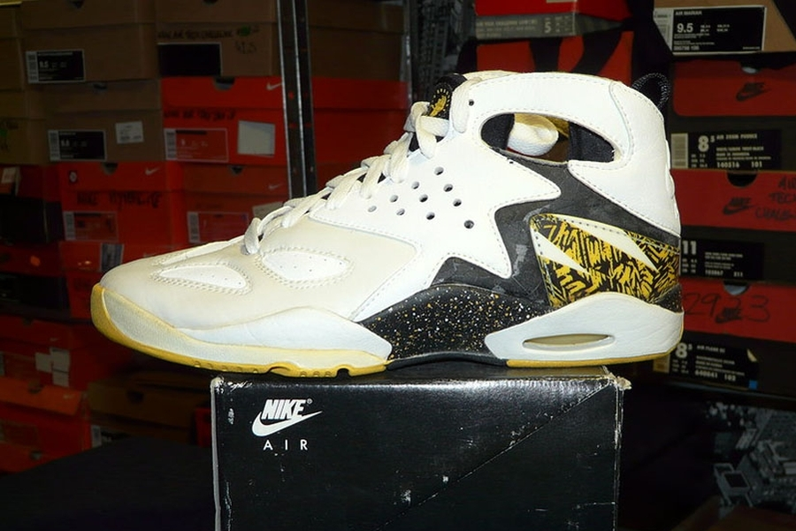 the best attitude 5ebe7 3b681 Nike Air Tech Challenge Huarache – 1992