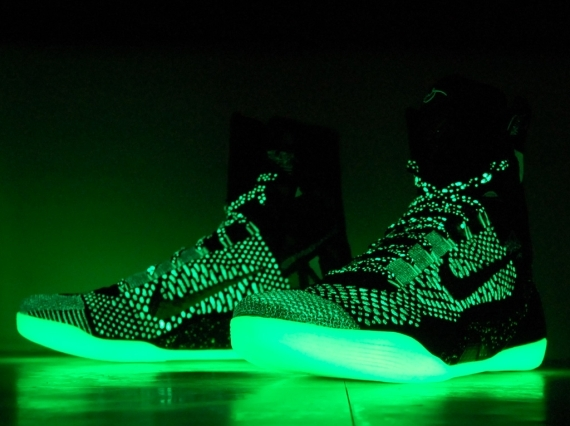 "The Nike Kobe 9 Elite ""All Star"" had some glow in the dark sections to it 03a8a7f2c"