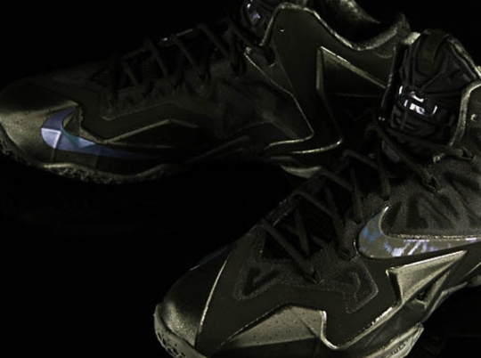 "Nike LeBron 11 ""Blackout"""